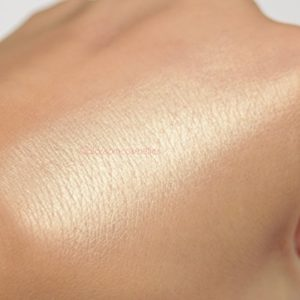 W7 Cosmetics – Glowcomotion Highlighter