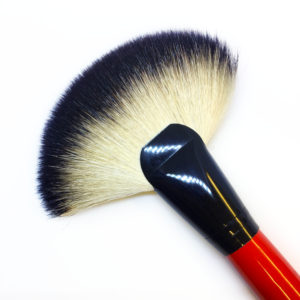 Exposed Cosmetics – Deluxe Fan Brush